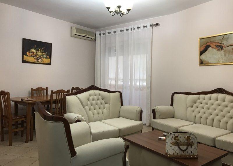 Apartament i vogel 1+1 prane gjuheve te huaja