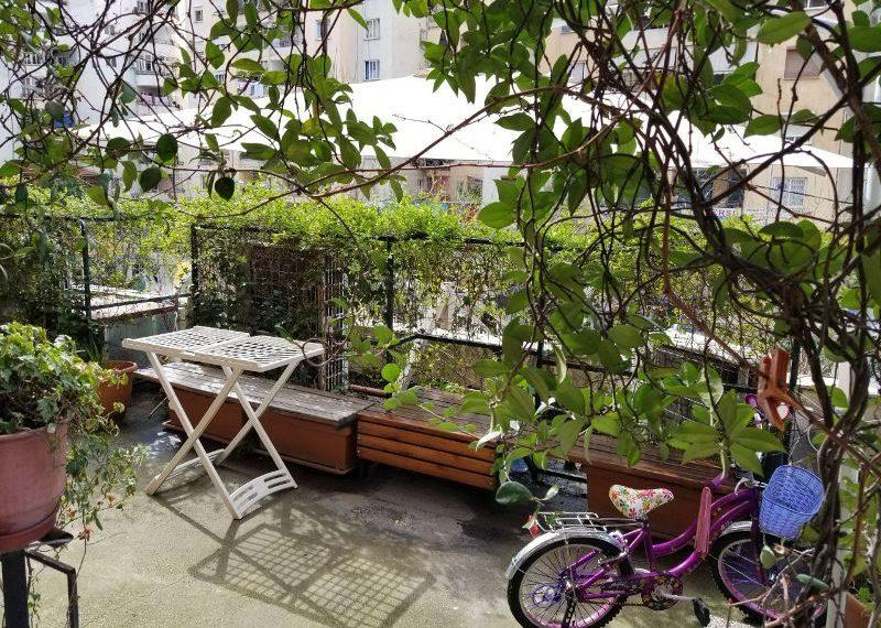 Apartament per shitje te Komuna Parisit