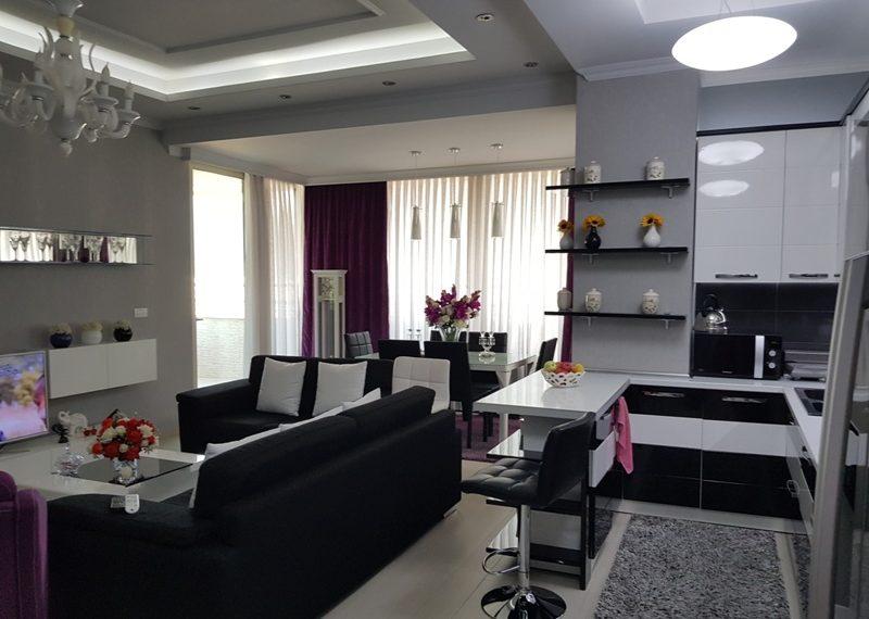 Apartament per shitje prane gjimnazit Partizani
