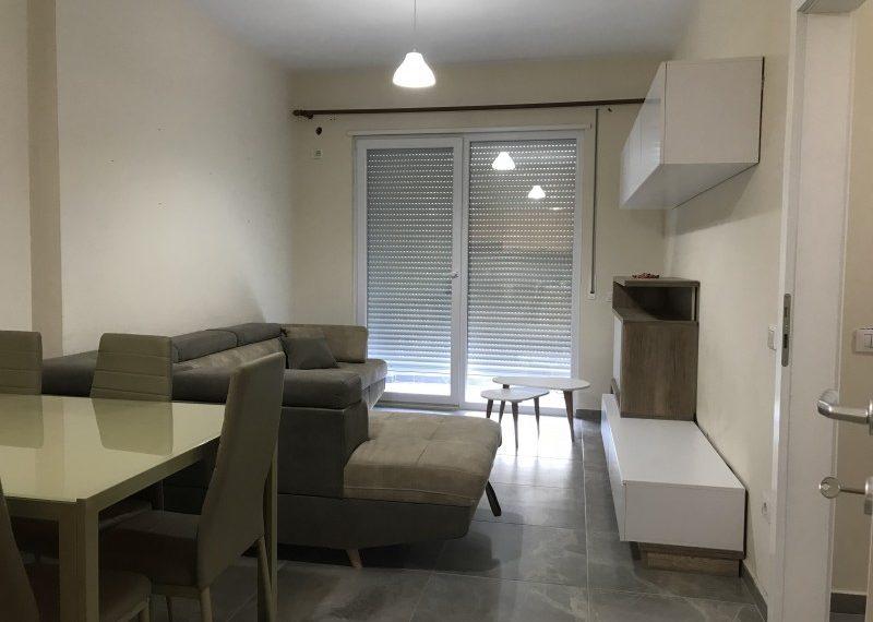 Apartament 1+1 per Qira prane Kopshtit Botanik