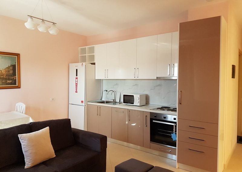 Apartament per qira, prane rrethrrotullimit te Zogut te Zi