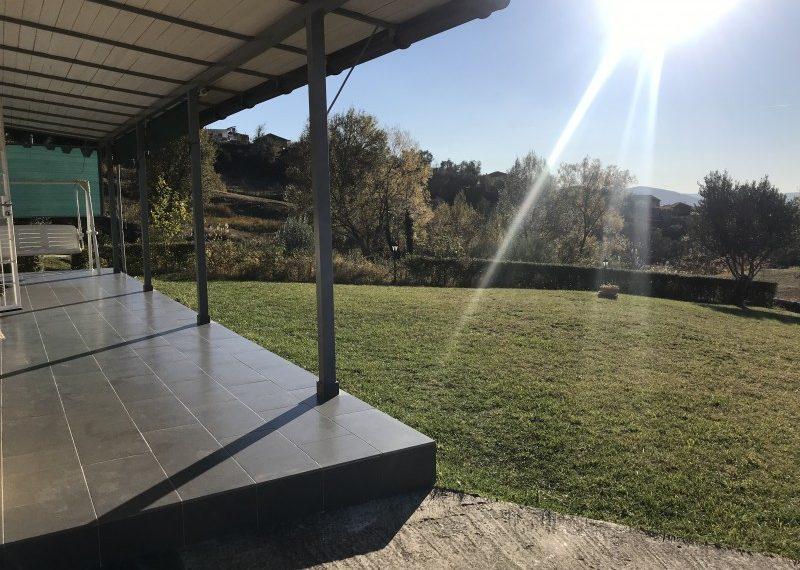 Shitet Shtepi Private me oborr dhe toke ne Priske