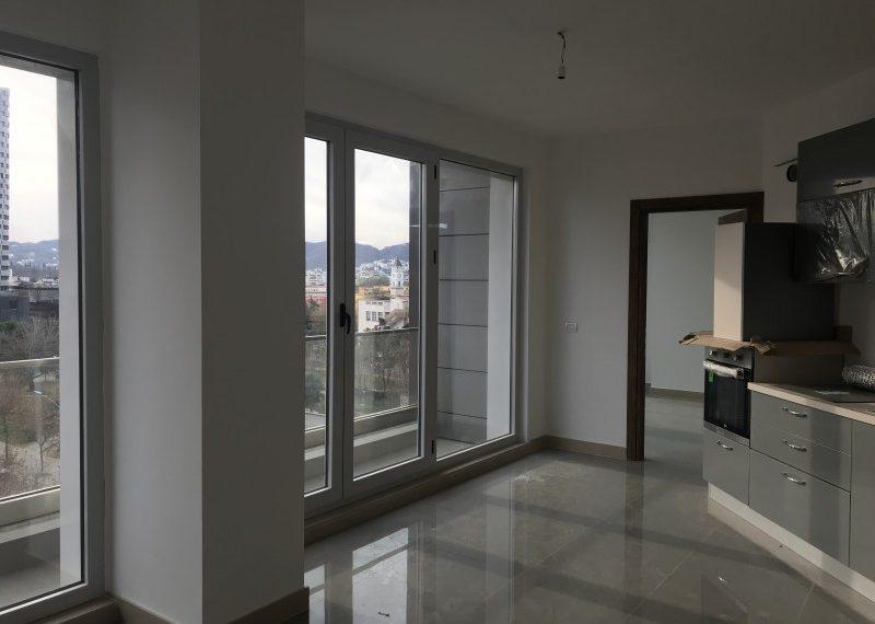 Apartament i Ri per Qira tek Turdiu Center