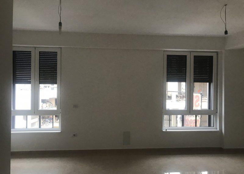 Shitet Apartament cilesor 2+1 prane Postes Shqiptare