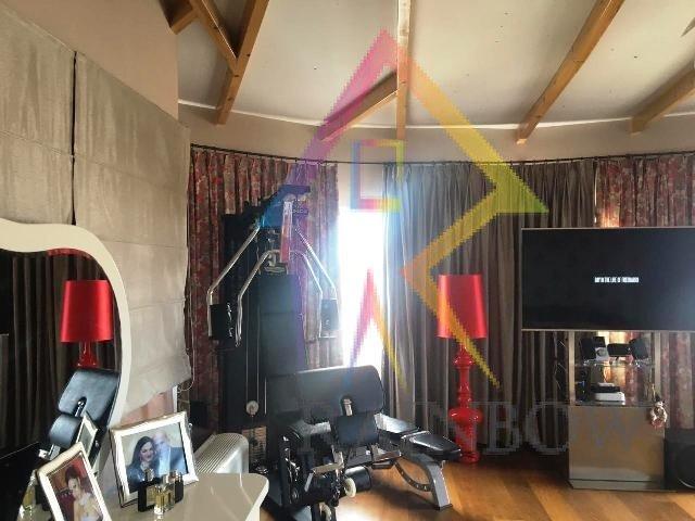 Shitet Apartament dubleks me verande