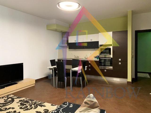 Shitet Apartament 1+1 prane RTSH