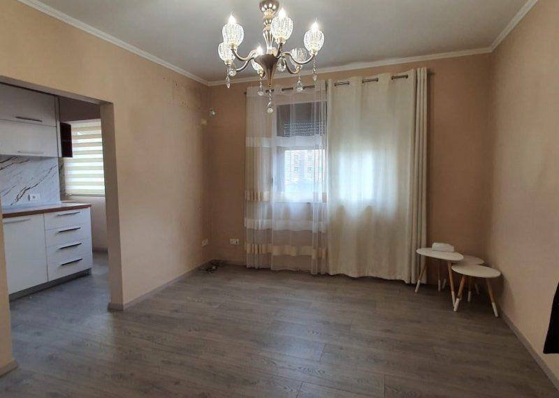 Apartament per qira mbrapa Hotel Diplomat 2