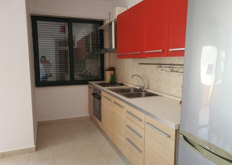 Apartament per shitje te Shkembi i Kavajes
