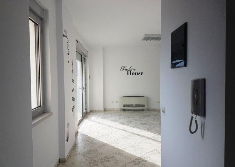 Apartament per shitje e zonen e ish-Bllokut