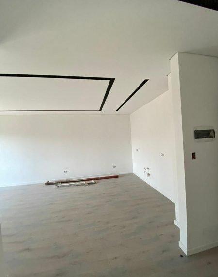 Shitet apartament i ri perballe birres Tirana