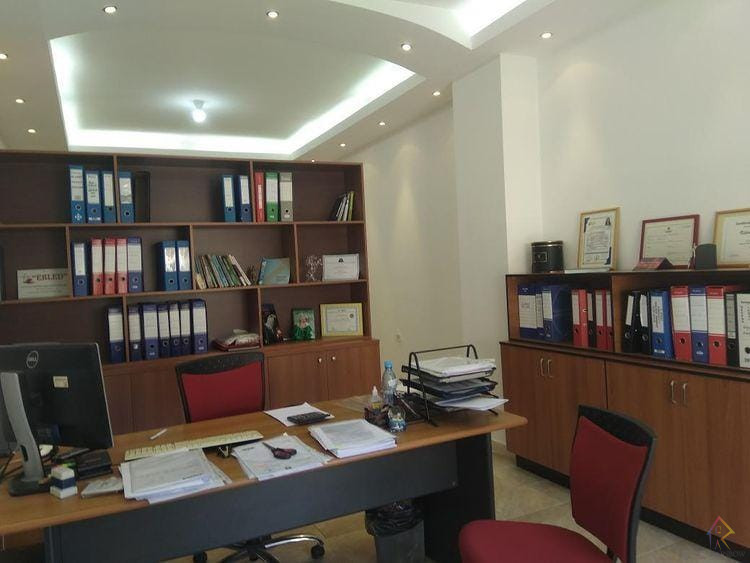 Ambient zyre per qira ne Durres