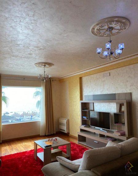 Shitet apartament te Shkembi i Kavajes