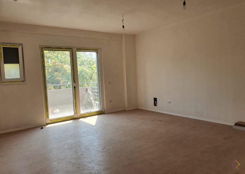 Shitet apartament ne Qender te Tiranes